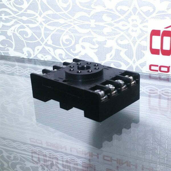 Đế rờ le IDEC SR2P-06A (dùng cho công tắc mực nước)
